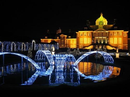 「光の宮殿」
